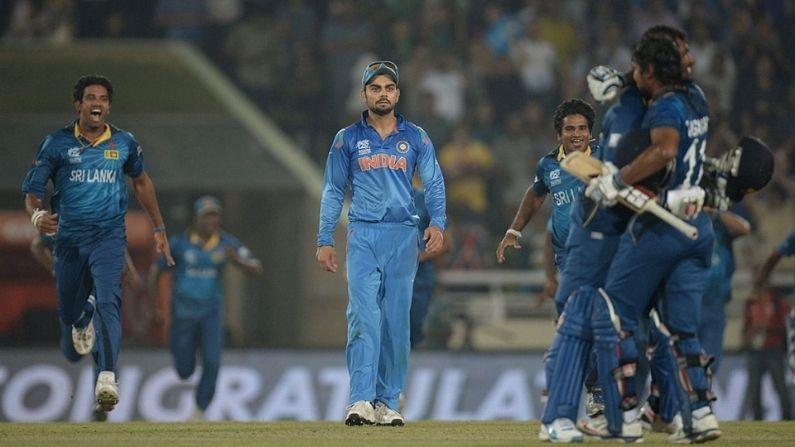 2014 T20 વિશ્વકપ ફાઇનલઃ મહેન્દ્રસિંહ ધોની (MS Dhoni) ની કેપ્ટનશીપમાં ભારતીય ટીમ ફાઇનલમાં પહોંચી હતી. જોકે શ્રીલંકા એ તેને ચેમ્પિયન બનવાથી રોકી લીધુ હતુ. આ દરમ્યાન લસિથ મલિંગાએ કમાલની બોલીંગ કરી હતી. તેણે અંતિમ ઓવરોમાં યુવરાજ સિંહ અને મહેન્દ્રસિંહ ધોની સામે કસીને બોલીંગ કરી હતી. જે મેચ માહેલા જયવર્ધને અને કુમાર સાંગાકારાની અંતિમ મેચ હતી. ભારત એ પ્રથમ બેટીંગ ઇનીંગ રમતા 4 વિકેટે 130 રન બનાવ્યા હતા. જેને શ્રીલંકાએ 17.5 ઓવરમાં પાર કરી લઇ જીત મેળવી હતી.