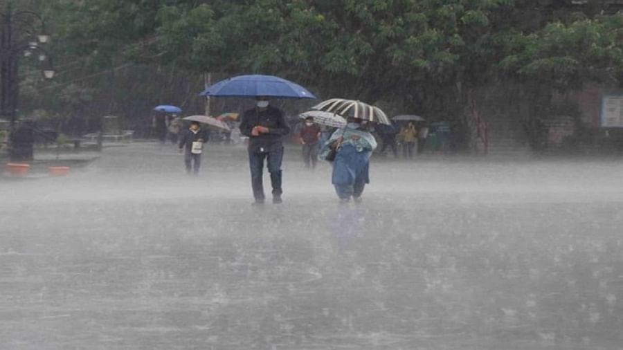Weather Update: Cyclone warning in Odisha and Andhra Pradesh, IMD warns of landfall after wind speed rises